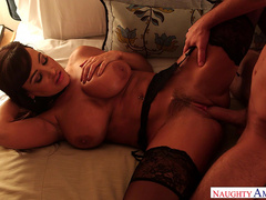 Naughty milf Lisa Ann fulfills a fantasy for a married man