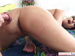 Milf pornstar India Summer takes cumshot to her ass and drips down her pussy