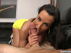 Busty milf Lisa Ann is an expert at sucking big cocks