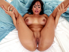 Latina Luna Star gets her pussy cream pied early in the morning