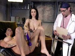 Sexperiments with Noelle Easton and Peta Jensen