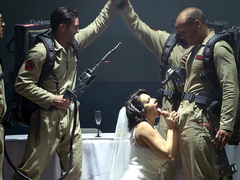 Ghost Veronica Avluv blows the Ghostbusters - XXX Parody