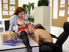 Lennox Luxe gets her pussy licked in the office