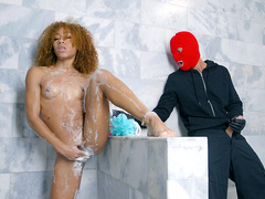 Shower Robber with Kendall Woods
