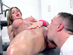 Nina Dolci getting her pussy licked during her workout