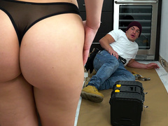 Aidra Fox Blows The Handy Man - Bangbros 4k