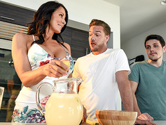 Shy Mom's First Squirt Featuring Reagan Foxx - Mommy Got Boobs HD