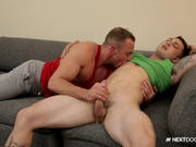 NextDoor Str8 Married Guy Discovers Gay Pleasure