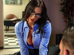A Run For His Money Starring Felicity Feline - Brazzers HD