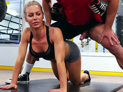 Nicole Aniston enjoying a hard work out