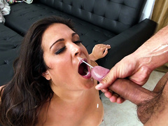 Jessie Jett gets a facial from Danny Mountain
