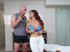 Resistance Band Boning with Syren De Mer and Johnny Sins - Brazzers HD