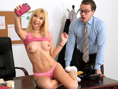 Selfies With The Dean Featuring Kenzie Reeves - Teens Like It Big HD