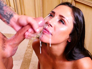 Anna Morna gets a nice creamy messy facial cumshot
