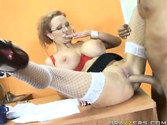 She wants to learn english - Sharon Pink